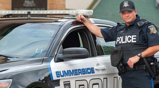 Kanadada sürücüler polisi isyan ettirdi: Bu kadar kibar olmayın