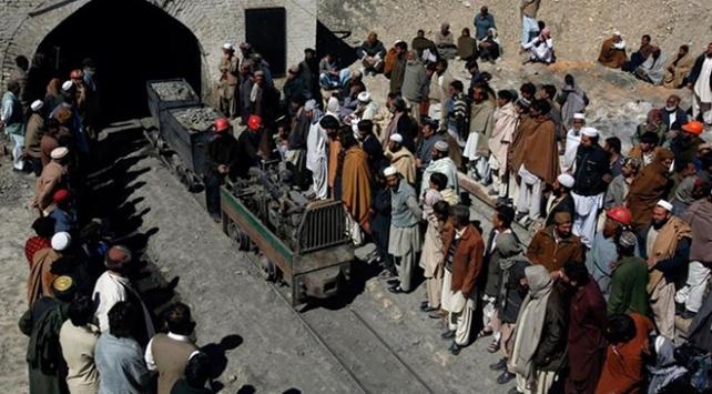 Pakistanda maden kazası: 11 işçi mahsur