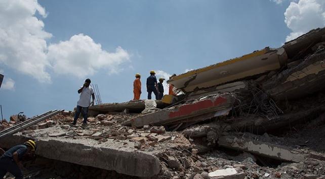 Hindistanda bina çöktü: 14 ölü