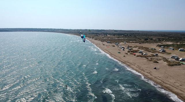Sörf tutkunlarının yeni adresi: Gökçeada