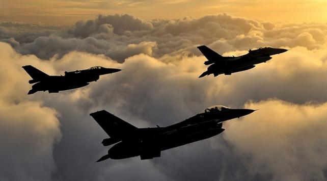 Irakın kuzeyi ve Hakkari kırsalında hava harekatı: 9 terörist etkisiz hale getirildi