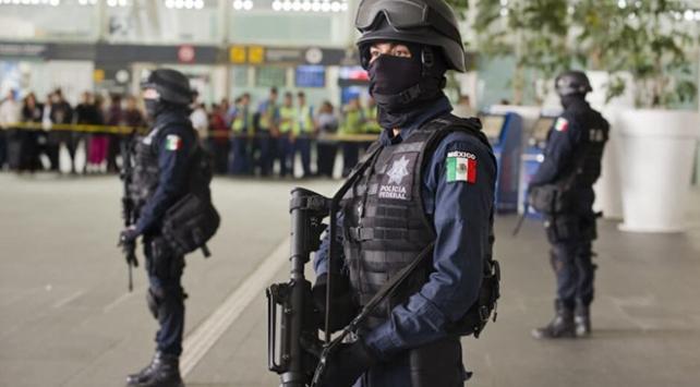 Meksikada üç askeri polis çocuk kaçırmaktan tutuklandı