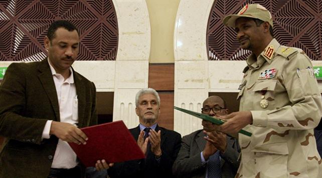 Sudanda taraflar geçiş dönemi için siyasi belgeyi imzaladı