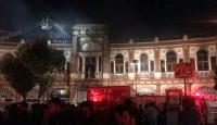 İran'ın başkenti Tahran'daki tarihi binada yangın çıktı