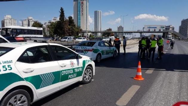 D-100de çökme meydana geldi, Ankara istikameti trafiğe kapatıldı