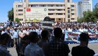 HDP'li Diyarbakır Büyükşehir Belediyesi'nin kararları protesto edildi