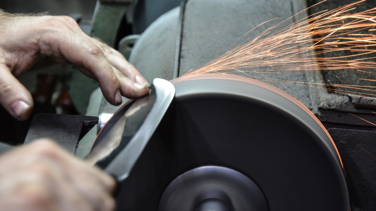 Dört kuşaktır el yapımı bıçak üretiyorlar