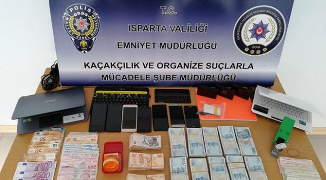 FETÖ üyelerine maddi destek sağlayan 4 kişi tutuklandı