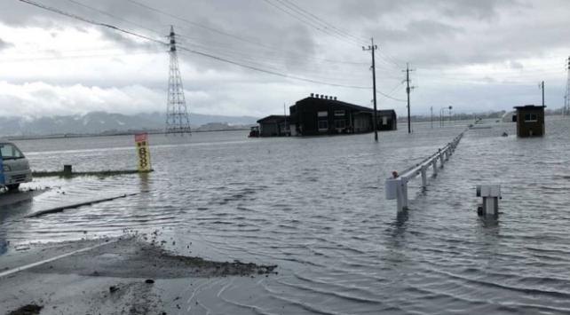 Japonyada sel uyarısı: Binlerce kişiye tahliye emri