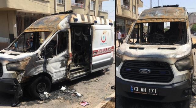 Seyir halindeyken alev alan ambulans küle döndü