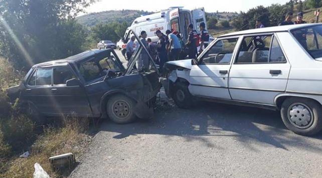 Kastamonuda iki otomobil çarpıştı: 11 yaralı