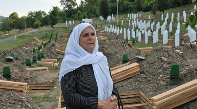 """Srebrenitsanın """"adalet savaşçısı"""" annesi unutulmadı"""