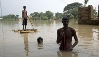 Hindistan'daki aşırı yağışlar can almaya devam ediyor