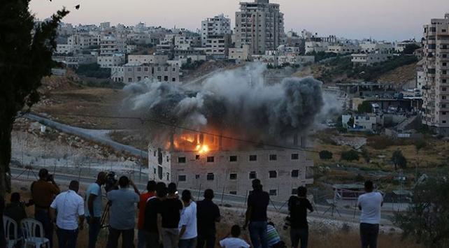 İsrail Doğu Kudüste Filistinlilere ait binayı patlayıcıyla yıktı