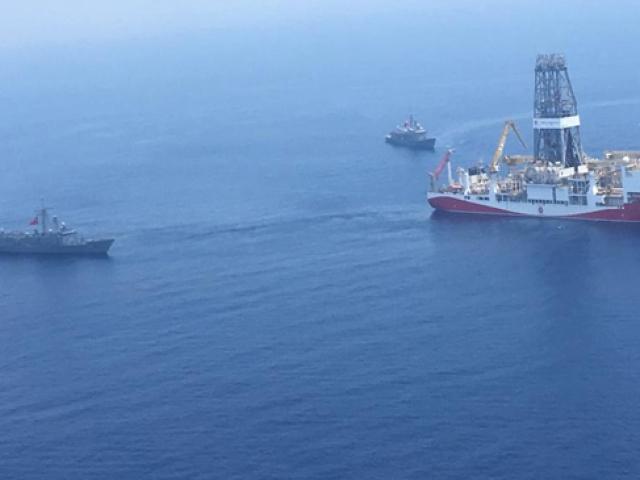 Donanmadan sondaj gemilerine kesintisiz refakat