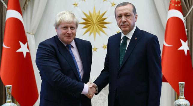 Cumhurbaşkanı Erdoğandan İngilterenin yeni başbakanı Johnsona tebrik