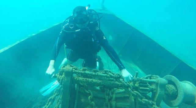 Van Gölündeki batık gemi için dalış yaptılar