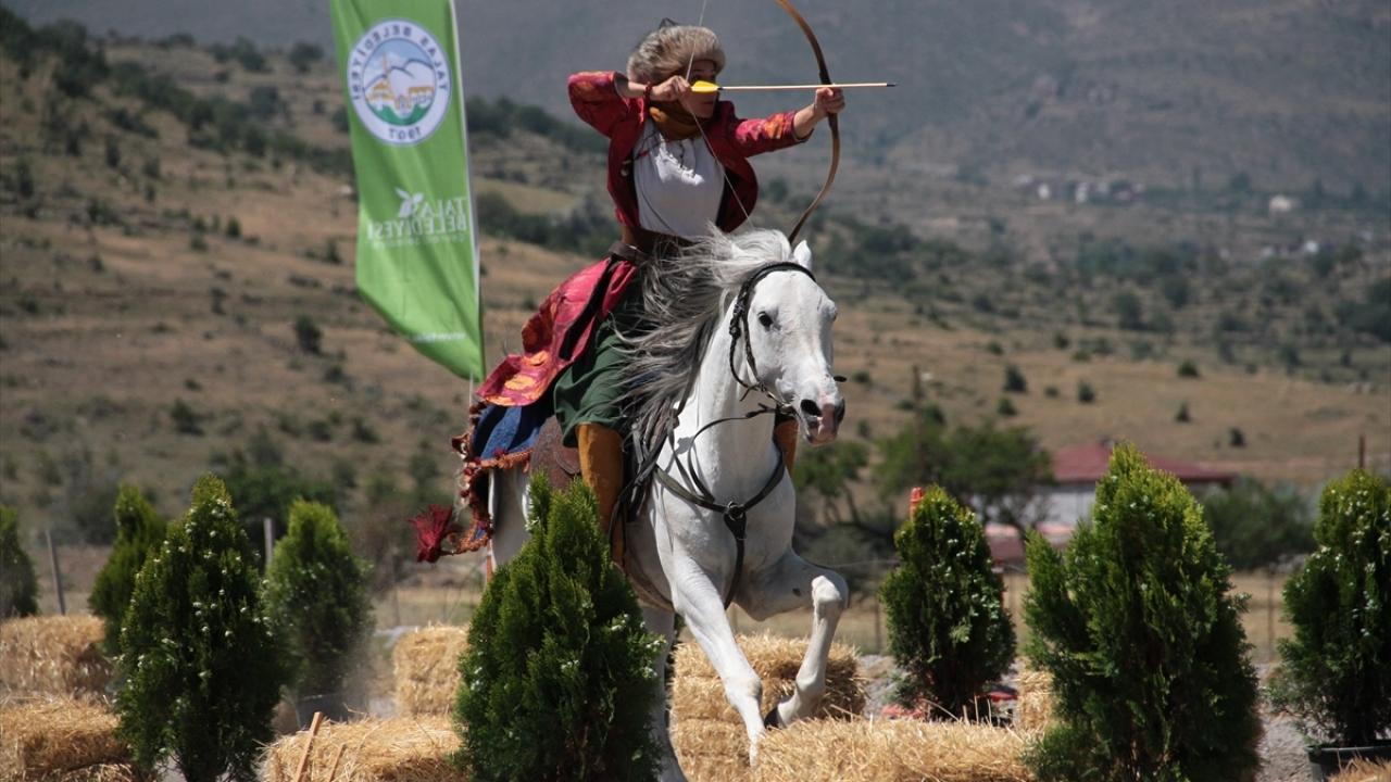 Atlı okçuluğun kadın temsilcileri