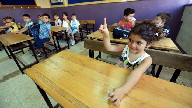 """Bakan Selçuktan velilere """"okula başlama yaşı"""" hatırlatması"""