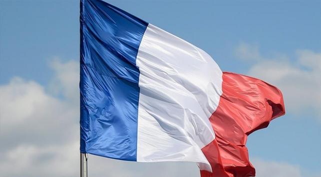 Fransa askeri varlığıyla Afrikada nüfuzunu korumaya çalışıyor