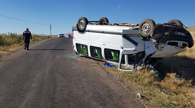 Erzincanda düğün yolunda kaza: 12 yaralı