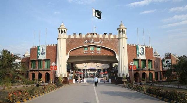 Pakistandan Afganlara vize sınırlaması