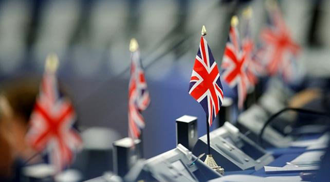 İngilterede anlaşmasız ayrılık senaryosuna hazırlık başladı