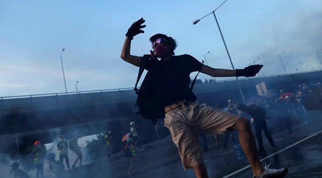 Hong Kongdaki protestolarda 13 kişi gözaltına alındı