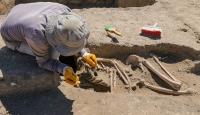 Kafatası olmayan 2 bin 700 yılık iskelet bulundu