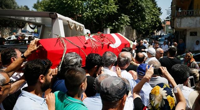 Işılay Saygın İzmirde son yolculuğuna uğurlandı