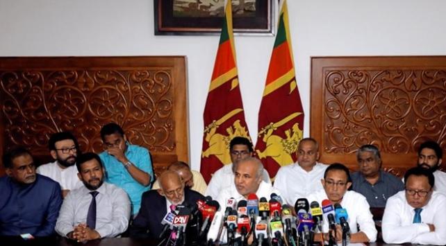 Sri Lankada istifa eden Müslüman bakanlar göreve döndü