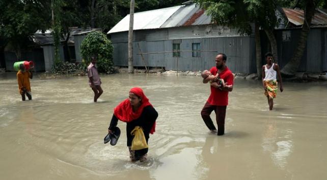 Bangladeşte seller nedeniyle 7,6 milyon kişi tehlike altında