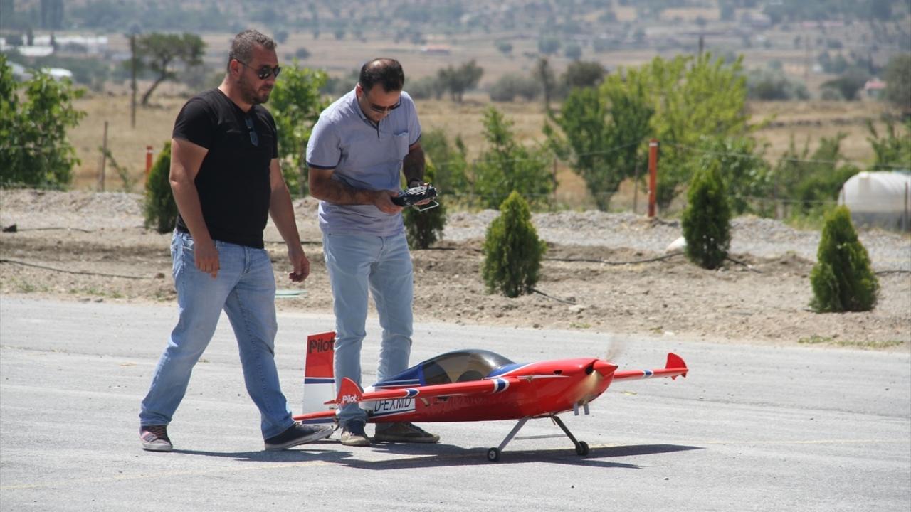 Model uçak hayaline Türkiyede kavuştu