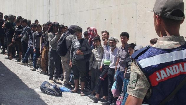 Valilik İstanbul'dan gönderilen düzensiz göçmen sayısını açıkladı