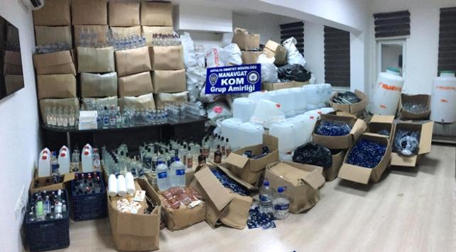 Antalyada yüzlerce litre etil alkol ele geçirildi
