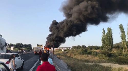 İzmir-Bursa yolunda otobüs yangını