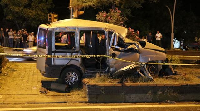 Aydında trafik kazası: 1 ölü, 2 yaralı