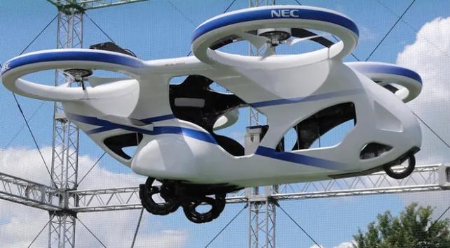 Japonyada uçan otomobil prototipi deneme uçuşu yaptı