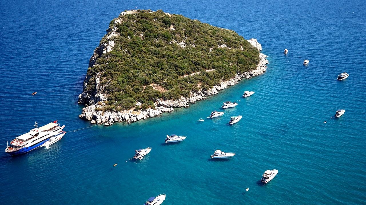 Antalyada bayram öncesi havadan ve denizden denetim