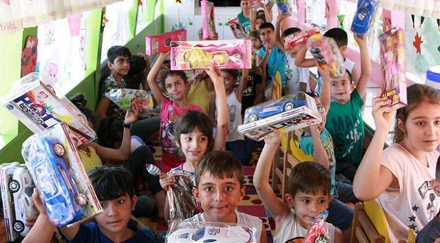 Necmettin öğretmen anısına yaptırılan gezici anaokul çocukları sevindiriyor