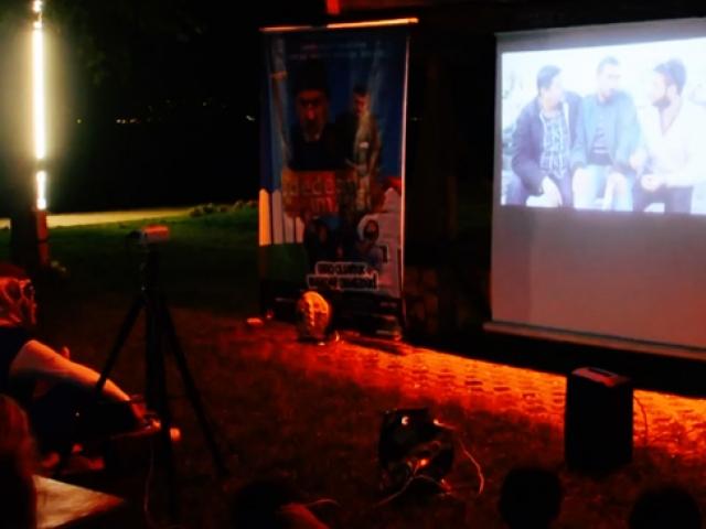 Sanatsever kardeşlerden Fatsada nostaljik film akşamları