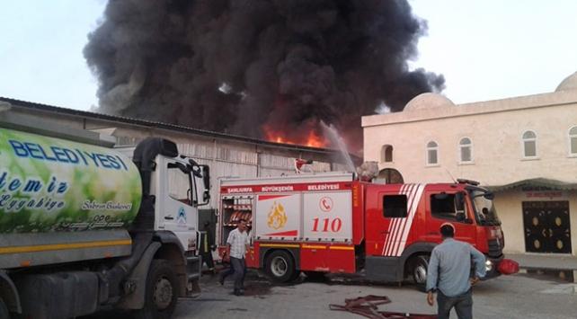Şanlıurfada iş yeri yangını