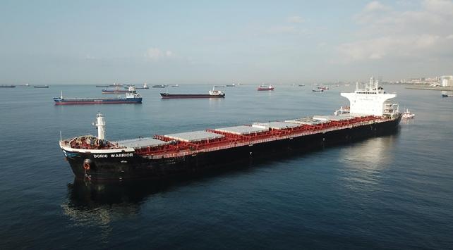 İstanbulda iki gemi çarpıştı