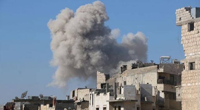 İdlibe yoğun hava saldırıları: 10 ölü