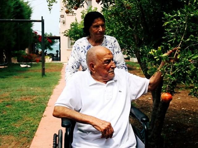 92 yaşındaki Muhterem Okutur hayatını yeşile adadı