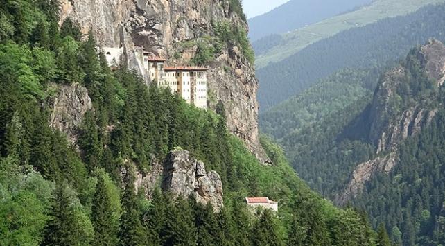 Sümela Manastırına turist akını