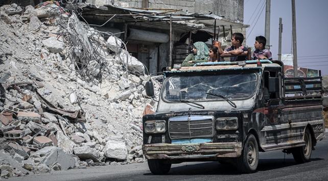 AA: 124 bin sivil Suriye-Türkiye sınırındaki kamplara göç etti