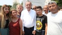 Cumhurbaşkanı Erdoğan cuma namazı sonrası vatandaşlarla bir araya geldi
