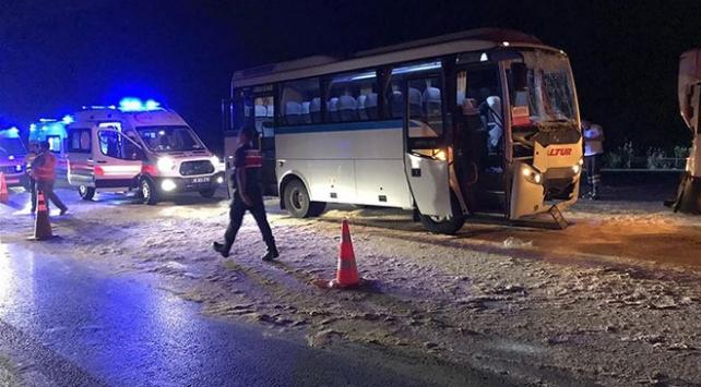 Manisada zincirleme trafik kazası: 23 yaralı