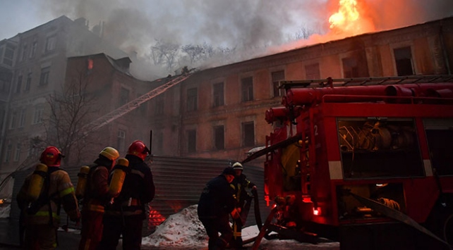 Ukraynada otel yangınında 9 kişi yaşamını yitirdi